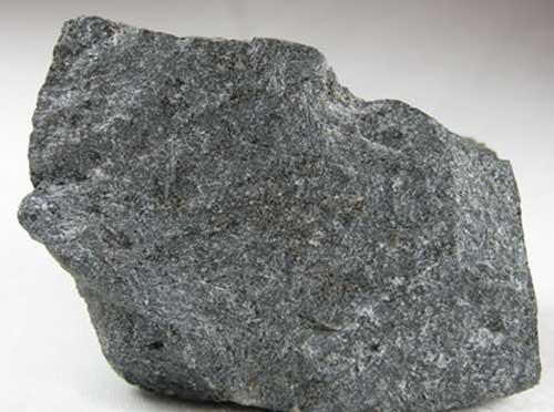 Фото серые камни
